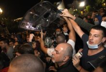 Protests in largest Serbian cities. Government answers with police violence