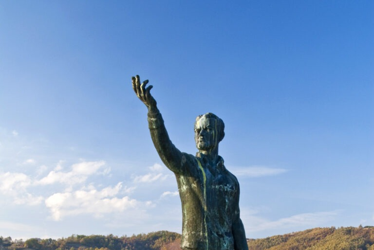 Spomenik Žikici Jovanoviću Špancu