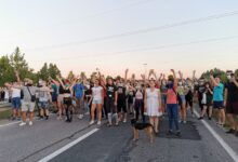 Protesti: U Beogradu ponovo sukobi. U Novom Sadu pokušaj blokade autoputa. Napadi na novinare u porastu