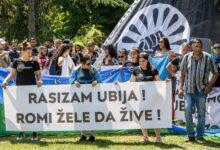 Rasizam ubija: protest u Beogradu zbog brutalnosti češke policije prema Stanislavu Tomašu