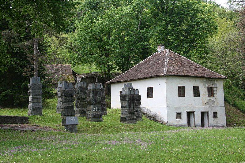 Spomen kompleks Bela Crkva