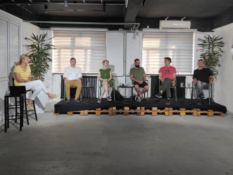 Učesnici tribine O mogućnostima zajedništva