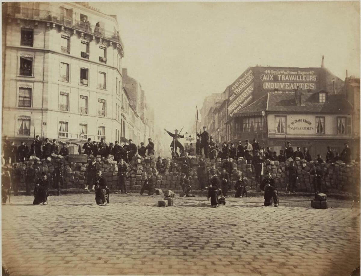 Barikade u Parizu sa vojnicima nacionalne garde