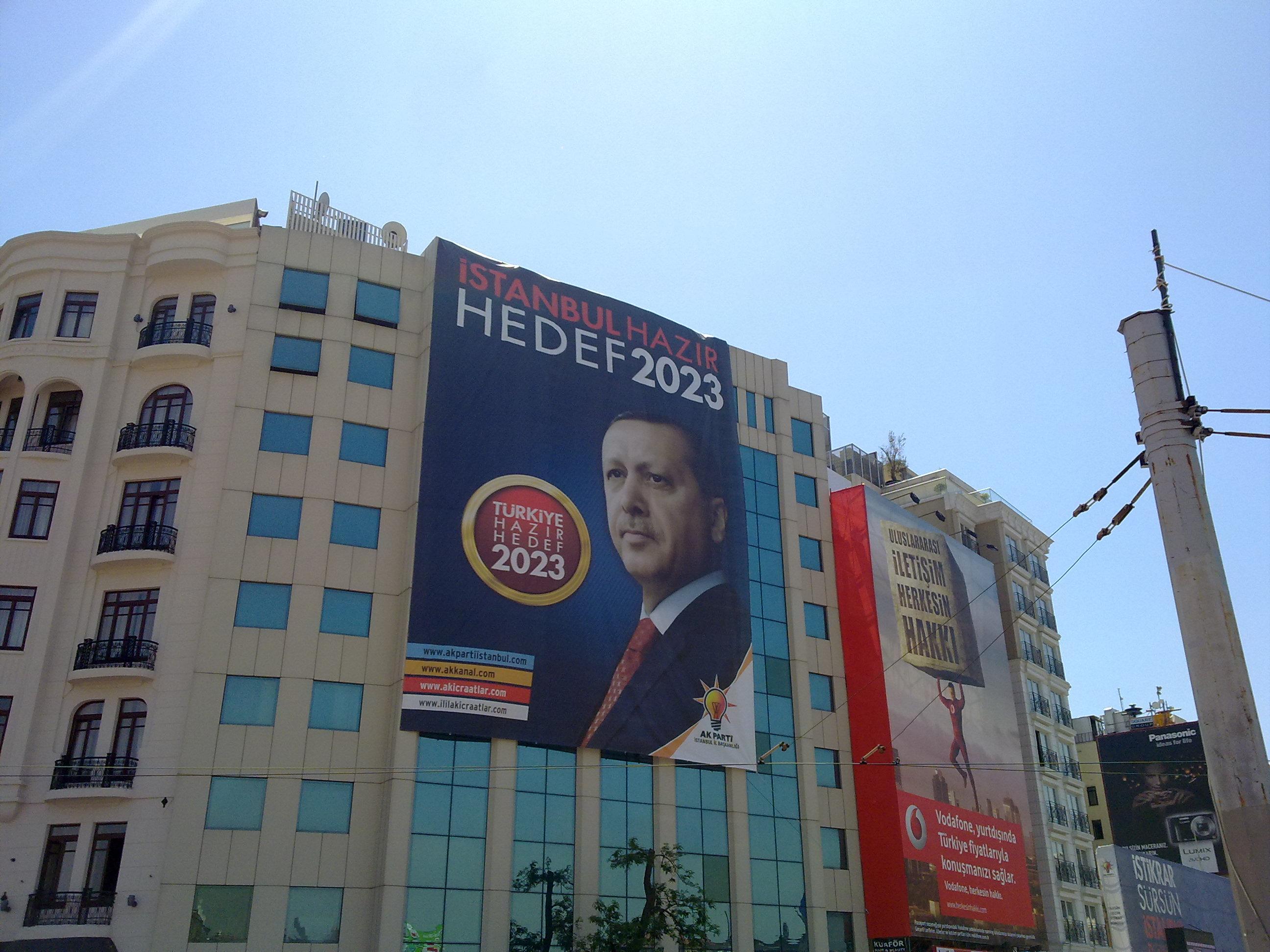 RTE_seçim_pankartı