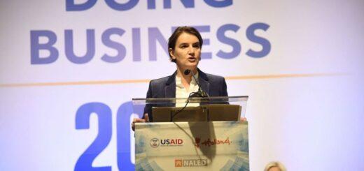 """Premijerka Ana Brnabić govori na konferenciji:  """"Doing business 2018: Jačanje konkurentnosti Srbije""""; Foto: naled.rs"""