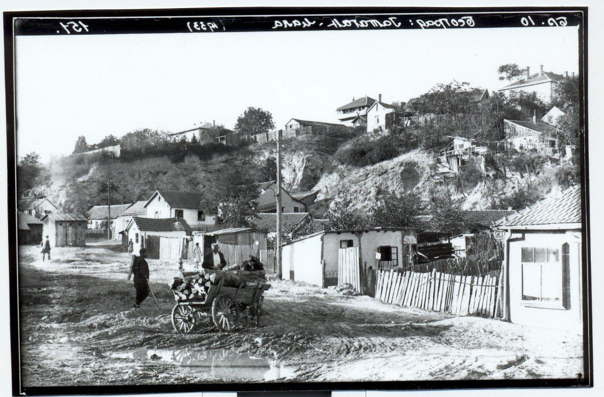 """Deo naselja Jatagan mala pre Drugog svetskog rata; Ilustracija iz knjige """"Život na ivici"""""""