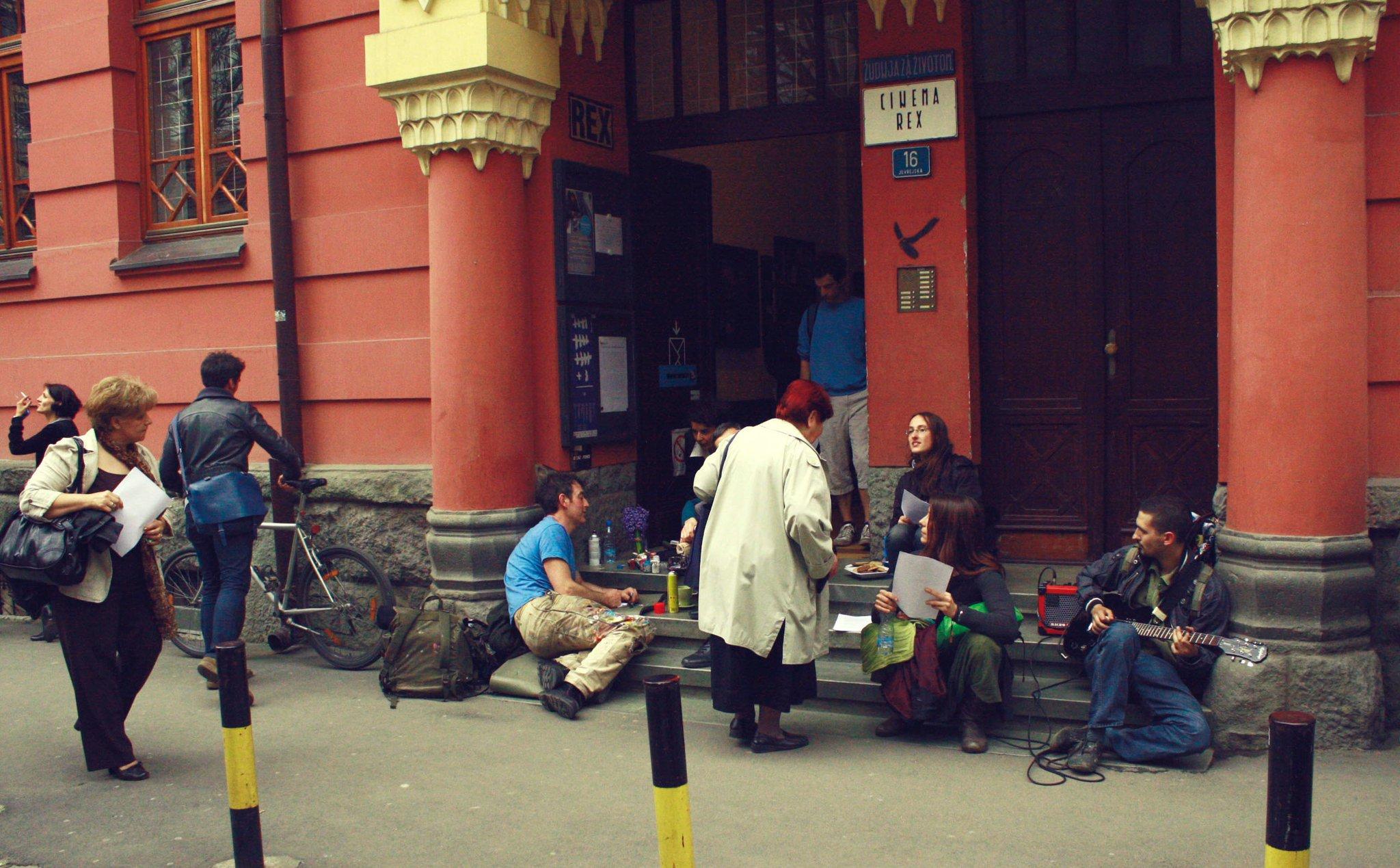 Ispred ulaza u Rex; Kulturni centar REX / Facebook