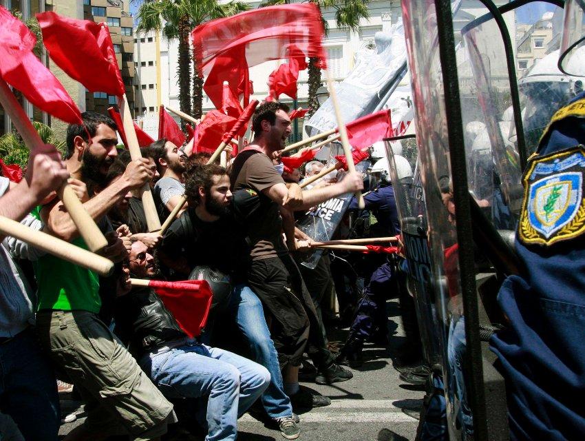 Prvomajski protesti u Atini 2010. godine; Foto: Joanna / Flickr