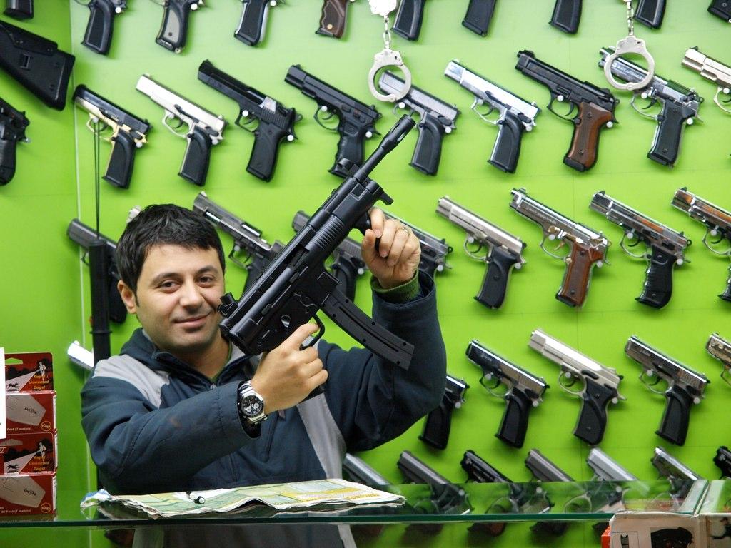 Iz prodavnice oružja u Istambulu; Foto: Pål Joakim Pollen / Flickr
