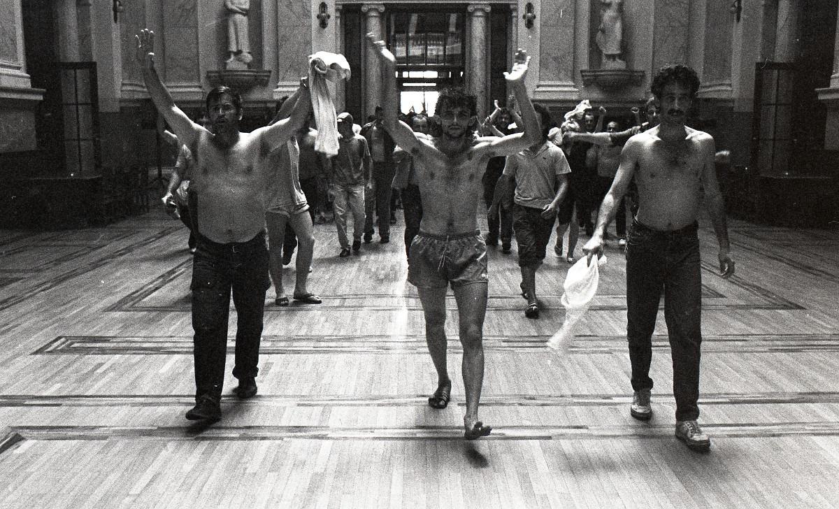 Protest radnika Borova 1988; Izvor: Arhiv Jugoslavije - AJ-112-L-11703-123