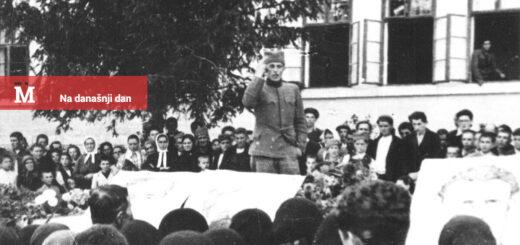 Komandir partizanske čete Slobodan Sekulić odaje poštu izginuiim borcima u Užicu 2.X. 1941. / Izvor: Wikipedia