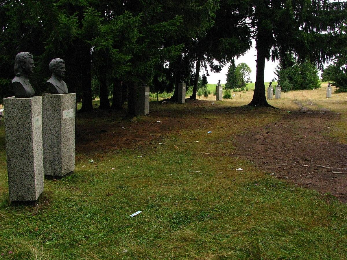 Aleja neustrašive mladosti na Jabuci; Foto: Pinki / Wikipedia