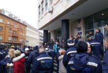 """Protest poštara u Novom Sadu: """"Nema predaje, idemo do kraja!"""""""