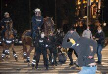 Nastavak protesta u više gradova u Srbiji uz ponovljenu policijsku brutalnost