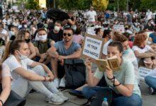 """Za razliku od prethodnih dana, treći dan protesta """"u belim majicama"""" bez policijske brutalnosti"""