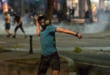 (FOTO) Žestoki sukobi policije i demonstranata na ulicama Beograda