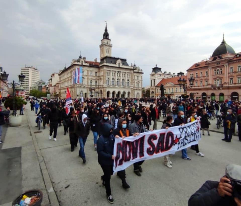 Protest protiv fašizma u Novom Sadu; Foto: Čuvari/ke vatre / Facebook